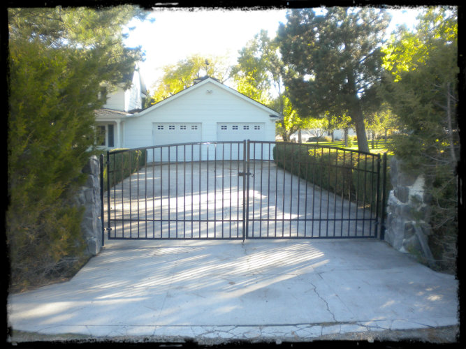 Metal Gateway